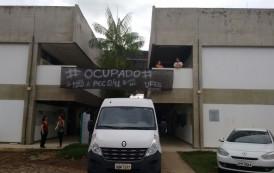 Estudantes da Ufes protestam contra a PEC 241 e pedem melhorias para o Campus de Alegre