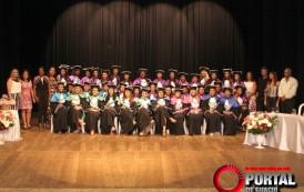 UNIMES realizou mais uma colação de grau. Solenidade aconteceu no Teatro Municipal de Guaçuí-ES.