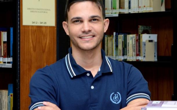 Professor do ES é único brasileiro entre 10 finalistas de prêmio mundial