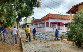 Concluído o calçamento da Rua Francisco Tibúrcio (B.Pedregal) em JM-ES