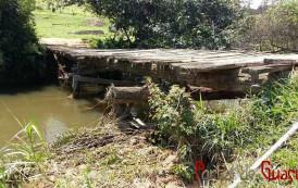 Ponte em zona rural corre risco de cair