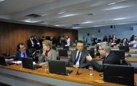 Comissão que vai sabatinar Moraes tem dez investigados na Lava Jato