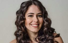 Ana Moraes canta clássicos da MPB