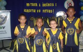 Legião da Boa Vontade entrega Kits pedagógicos aos atendidos, em Cachoeiro