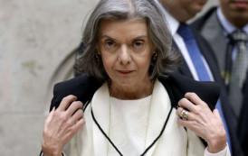 Ministra Cármen Lúcia assume a presidência do Brasil