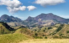 Serra da Aliança-ES. Após dois anos interditada, teve início as obras de recuperação da via