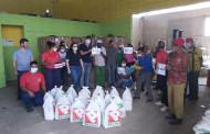 Indústrias do setor do plástico fazem entrega de  cestas básicas para famílias de catadores de reciclados