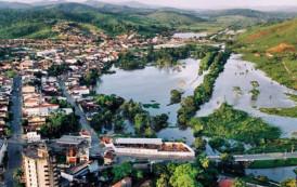 Denúncia: Colégio de Ipiaú-BA abusa do Presidente da República.