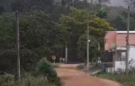 Continua interditada a estrada sem pavimentação que dá acesso a Dores do Rio Preto-ES.