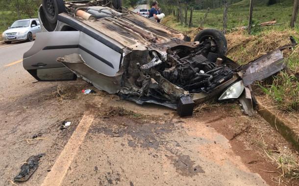 Acidente grave entre um veículo e uma moto na entrada do Engenho do Vovô - Pista da Rodovia 482.