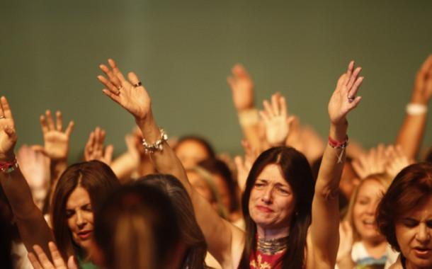 Culto com o pastor Diná no próximo sábado dia 19/06, às 19:00hs.