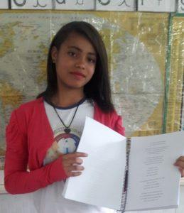 Estudante escreve poesias e crônicas.
