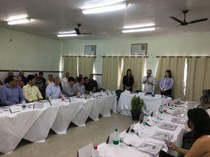 Reunião aconteceu nesta terça-feira (8), no auditório do Cras.