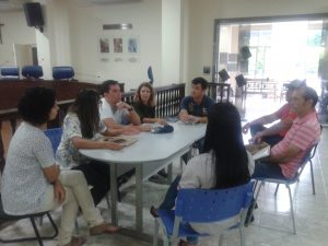 A reunião aconteceu na tarde de quinta-feira, na Câmara Municipal de Guaçuí.