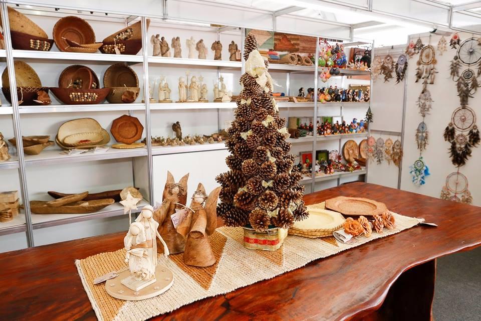 A feira traz verdadeiras obras dos artesãos capixabas.