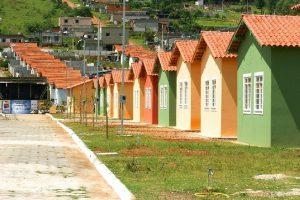 Pequenas empresas poderão participar da construção de conjuntos habitacionais do programa.
